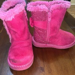 Minnie Mouse pink boots